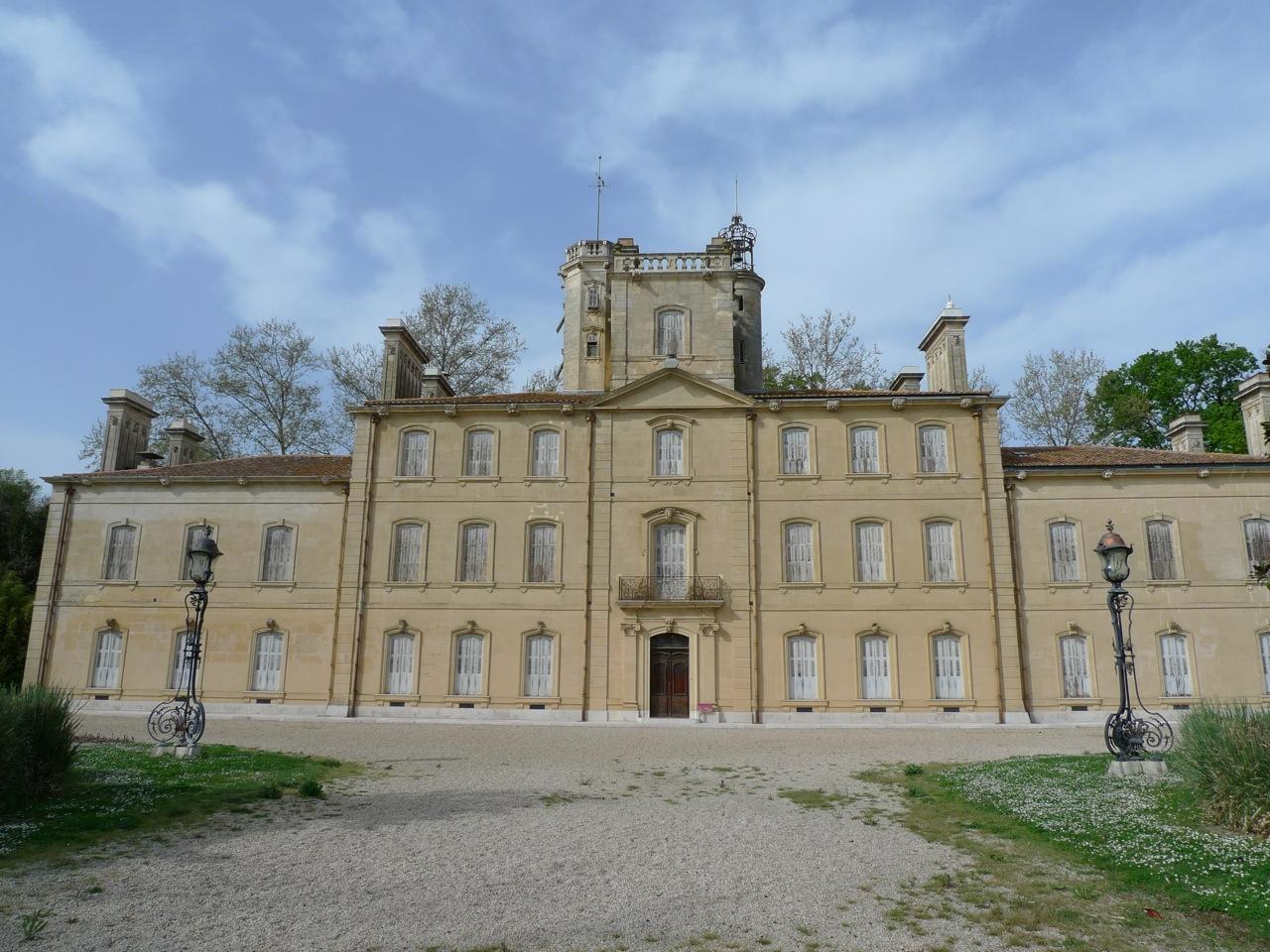 salles-arles-chateau-avignon