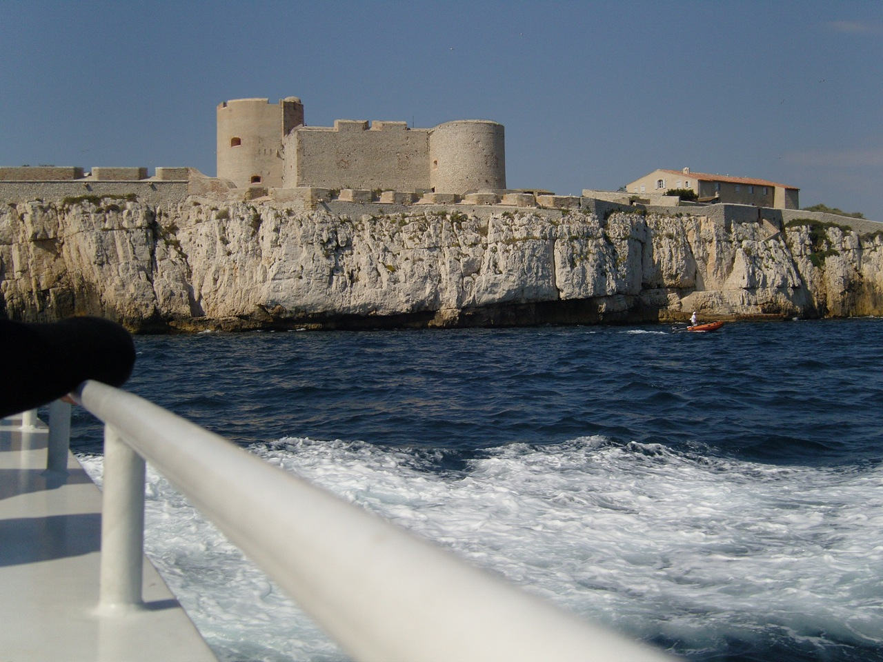 salles-marseille-chateau-if