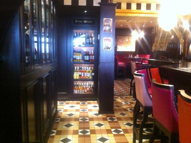 restaurant_marseille_lovespots_queen-victoria