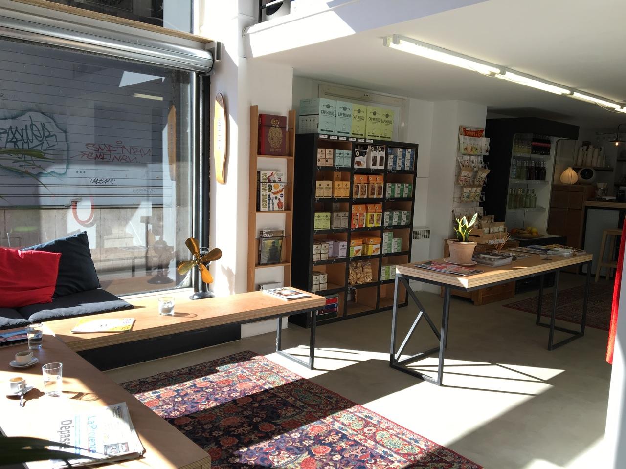 Pop up store marseille rive droite love spots - Apple store marseille terrasse du port ...