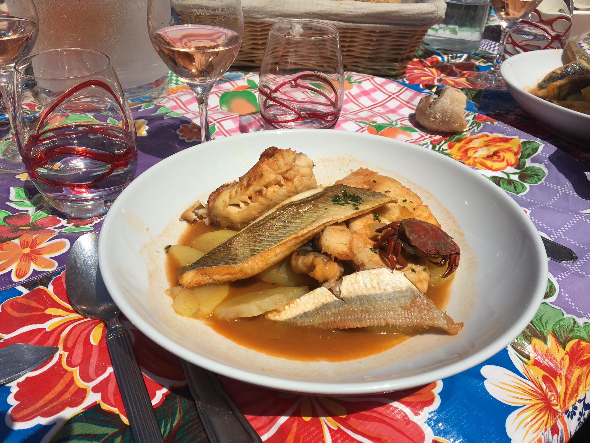 Gastronomie marseille la bouillabaisse domicile love spots - Restaurant bouillabaisse marseille vieux port ...