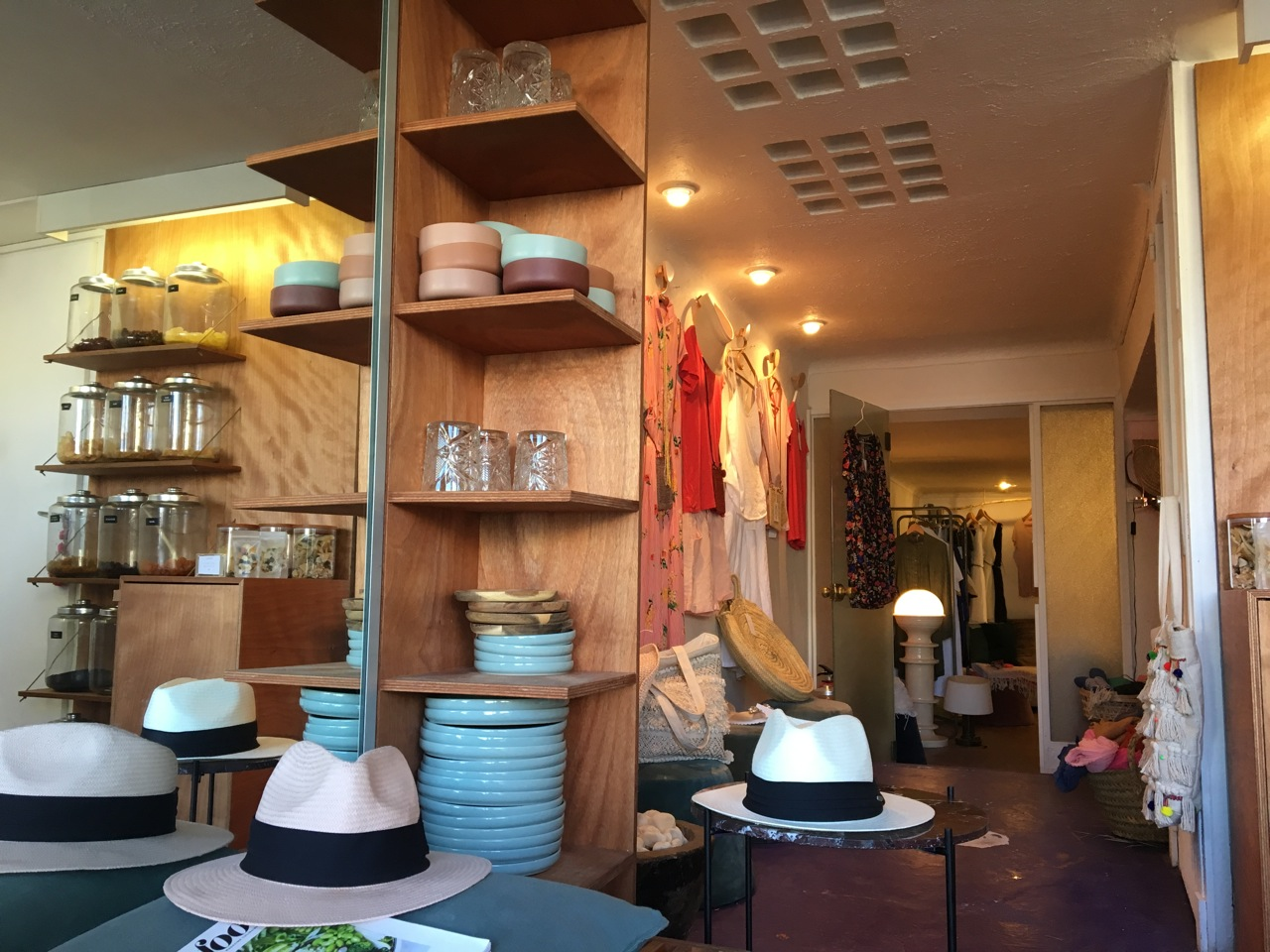 tranquille love spots marseille. Black Bedroom Furniture Sets. Home Design Ideas