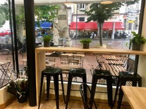 Chez Colette restaurant Marseille interior
