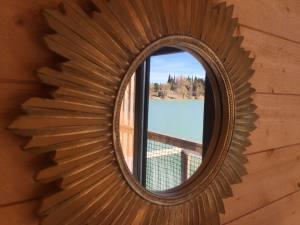 Hébergement nature Coucoo Cabanes Grands Cépages miroir