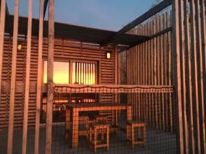 Hébergement nature Coucoo Cabanes Grands Cépages sunset