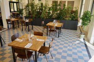 Les Jardins Du Cloître cuisine bistronomique à Marseille salle intérieure