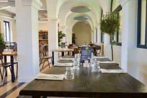 Les Jardins Du Cloître cuisine bistronomique à Marseille intérieur