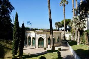 Marine baths and spa in Marseille (gardens)