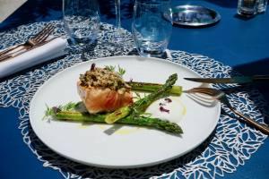 Les Bains, restaurant de bord de mer à Marseille (plat)