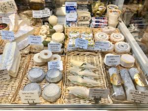 Marrou Opéra, pâtisserie, traiteur et salon de thé à Marseille (fromages)