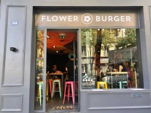 Flower Burger, vegan burgers in Marseille (the frontage)