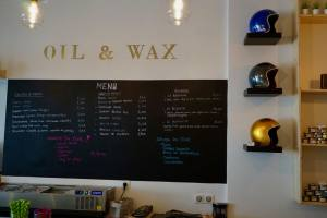 Oil and Wax, pancakes and coffee in Marseille (interior)