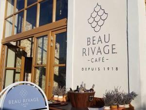 Beau Rivage, café, bar et Restaurant sur le Vieux Port à Marseille (devanture)