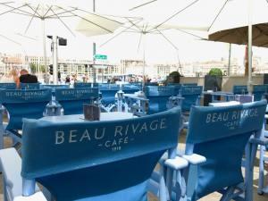 Beau Rivage, café, bar et Restaurant sur le Vieux Port à Marseille (Chaises)