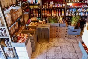 Chez Mère Grand, butcher in Marseille (grocer)