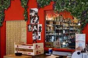 Chez Mère Grand, butcher in Marseille (déco)