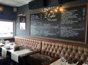 Le Grand bar des Goudes, restaurant de poissons à Marseille (salle)