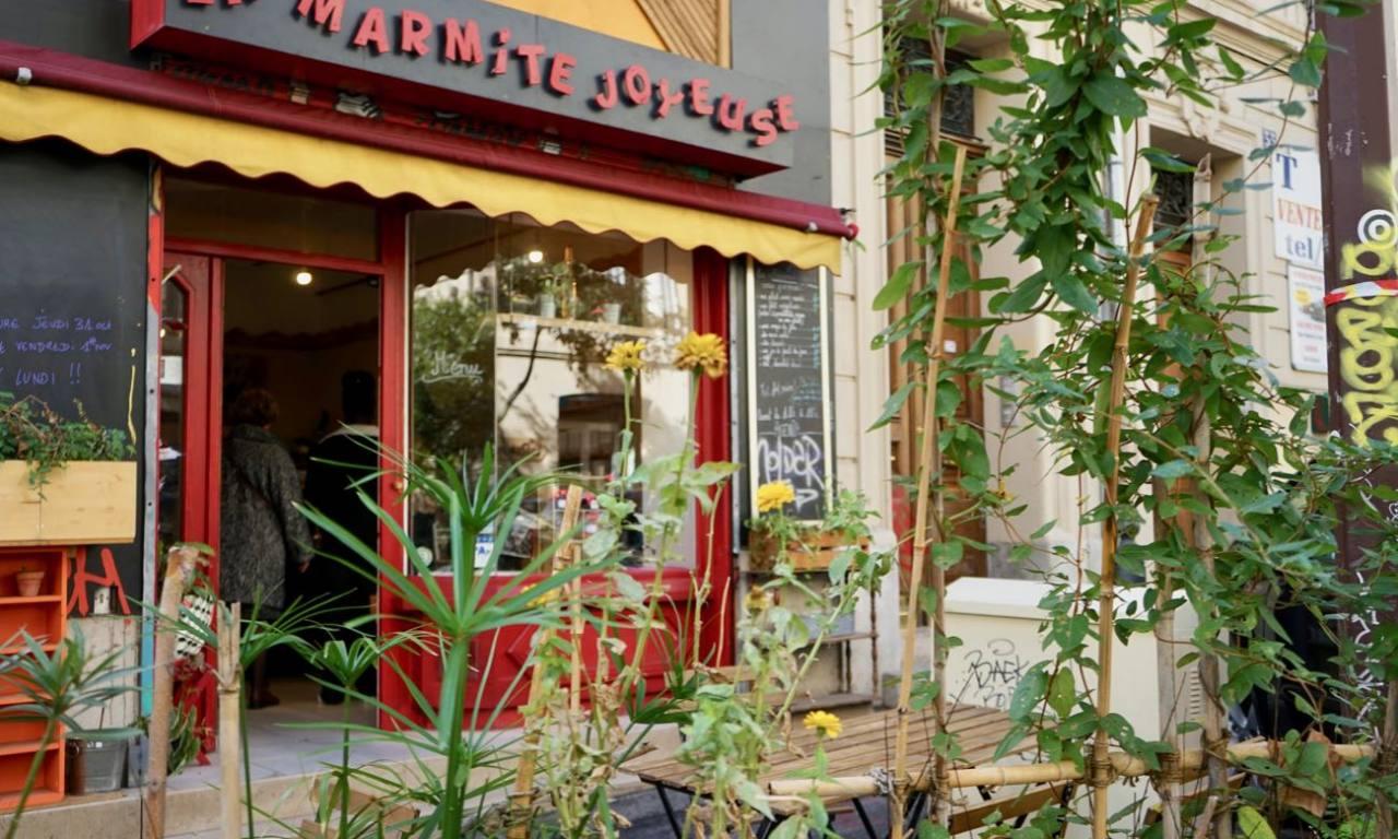 La Marmite Joyeuse, cantine de cuisine familiale à Marseille (terrasse)