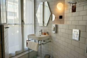 Hotel Mercure Canebiere, Hotel Marseille (bathroom)