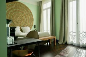Le Quai, hôtel sur le Vieux-Port de Marseille (chambre)