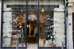 Cafe Piata, frontage