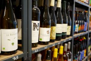 la Bonne Saison, organic grocers in Marseille (wine)