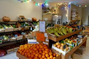 la Bonne Saison, organic grocers in Marseille (fruit and veg)