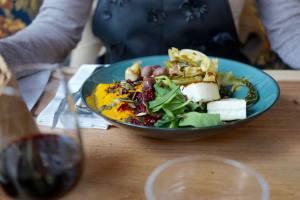 Le Caribou, restaurant et bar à cocktails à Marseille (plat vegetarien)
