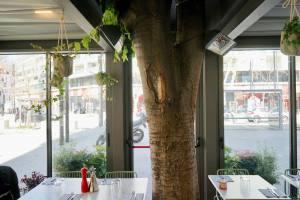 Cacio et pepe, restaurant italien et pizzeria place du 4 septembre à Marseille (veranda)