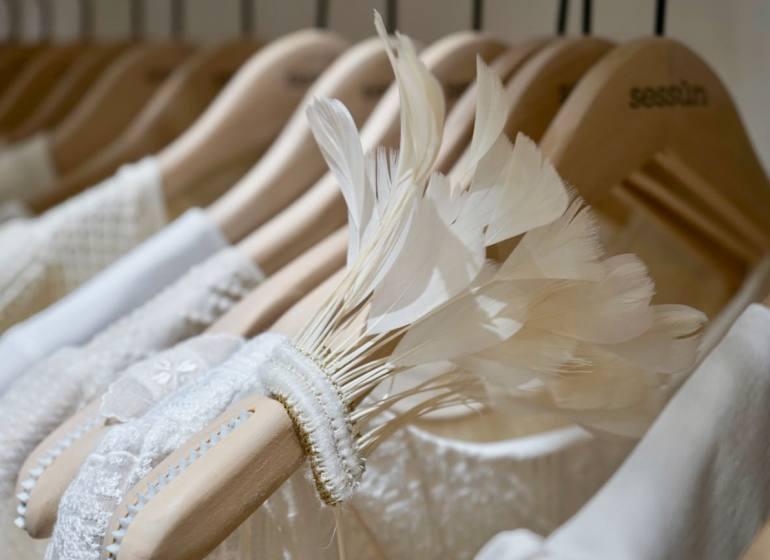 Sessun Oui, collection de robes de mariée (plumes)