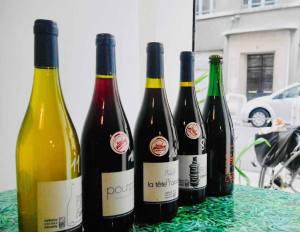 Pour, la cave à vins naturels s de Nathalie Cornec (bouteilles)