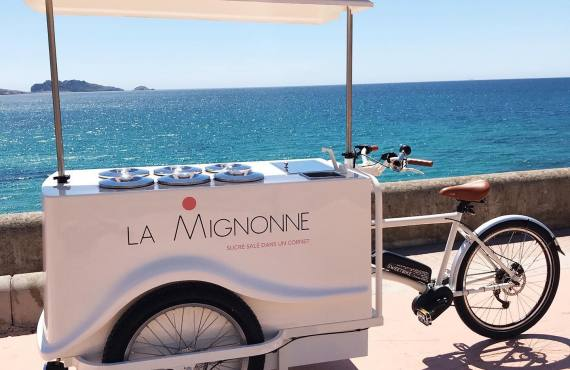 Vente ambulante de glaces et de sorbets à Marseille (Triporteur)