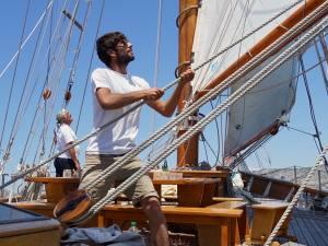 Le Don du vent, croisières et événements à quai sur un voilier de tradition à Marseille (manœuvres)