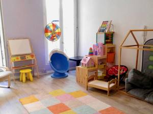 A little Family, well-being for parents and children in Marseille (play area)