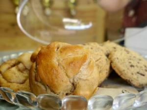 Aux Voisins: pâtisseries, plats cuisinés et service traiteur végétarien et vegan (gâteaux)