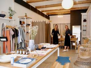 N°6, eco-responsible fashion and design concept store by Neatsche and LilNa (the founders)