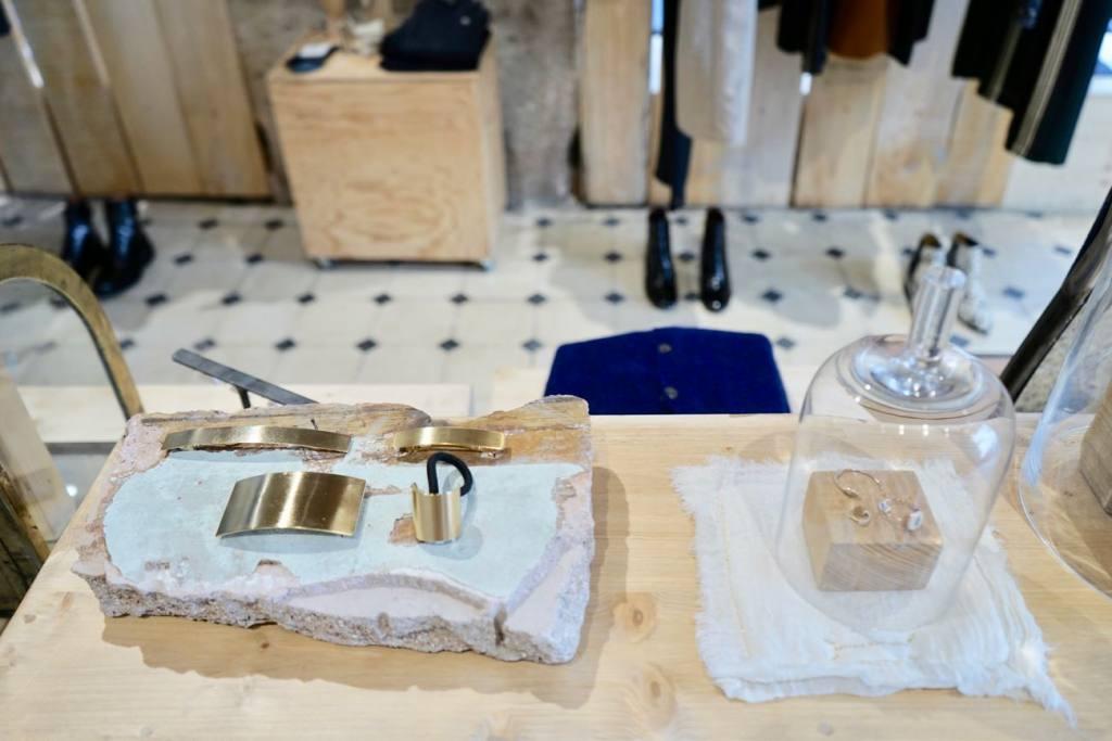 Mademoiselle, boutique mode et soin beauté dans la quartier des antiquaires à Marseille (bijoux)