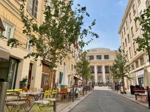Opéra Zoizo, bistrot and café-théâtre (rue beauvau)