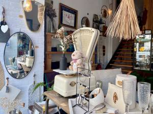 Bloomdrops, eco-responsible teashop and gift shop in Marseille (the window)