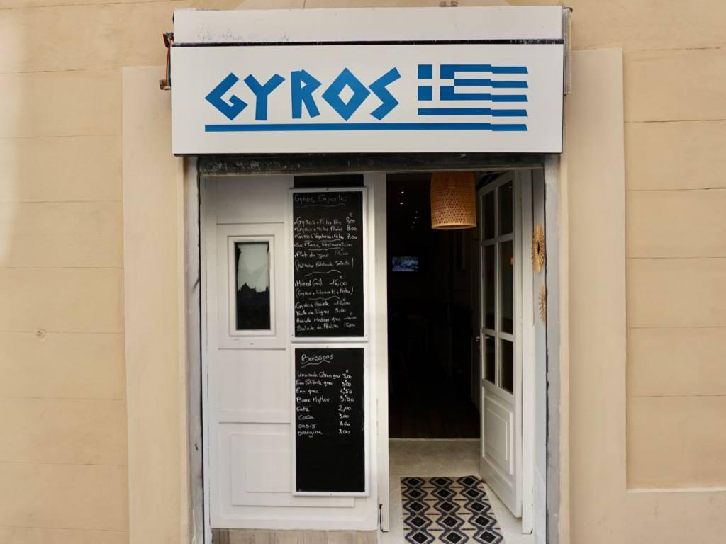 Gyros, Greek pita sandwichs in Marseille (entrance)