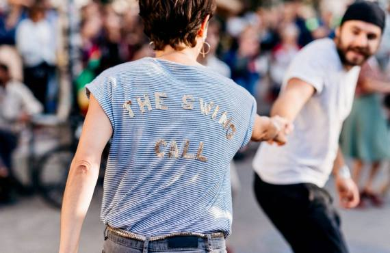 The Swing Call, cours de lindy hop, jazz roots & charleston à Marseille