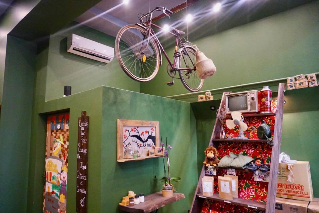 Cà Phê S, Coffee-shop vietnamien dans la rue sainte à Marseille (deco)