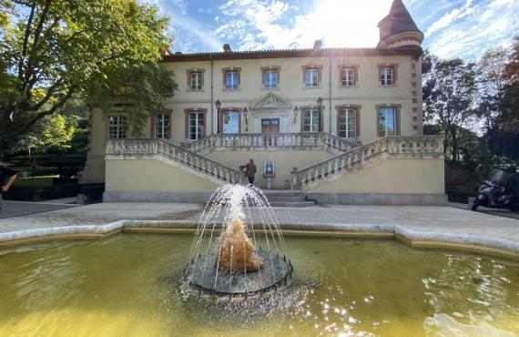 Château de Forbin, superbe demeure dédiée au Post-Graffiti à Marseille (extérieurs)