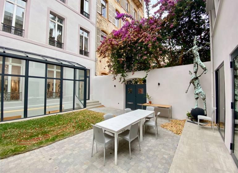 Espace Jouenne: galerie, espage de coworking et de séminaires, location logements à Marseille (Patio)