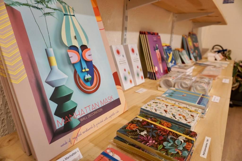 Paper-Back concept store Love-Spots, Marseille (paper)