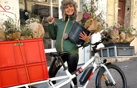 Bigoud, fleurs comestibles à Marseille et fleurs décoratives, en bouquet ou à manger (vélo)