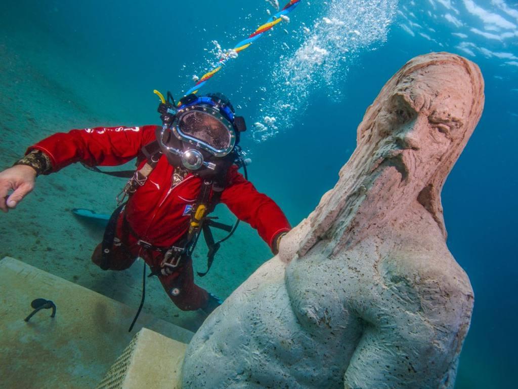 underwater sculpture trail, Marseille, love-spots
