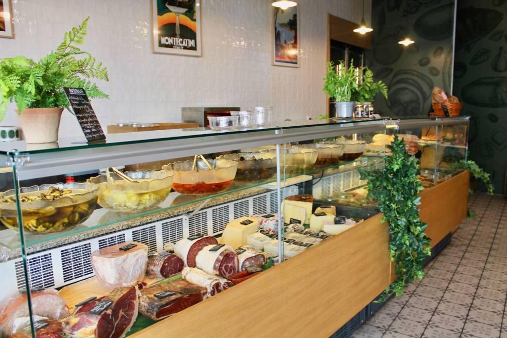 Nonna, delicatessen and food, Marseille, city guide love spots (interior)