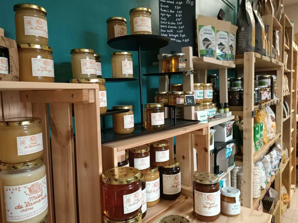 Le Grain de la Vallée, épicerie paysanne à Marseille (miels Faire la bées)