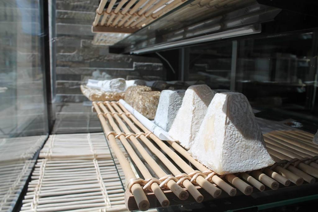 La Maison Marin, cheese shop in Mazargues, Marseille (goat cheese)